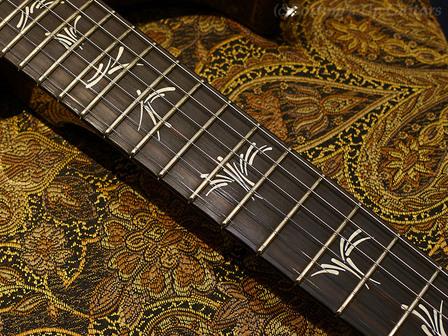 先日の新入荷PRSギターの詳細ページをデジマートに公開いたしました。